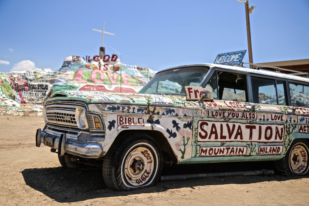 Salvation-mountain-palm-springs-california