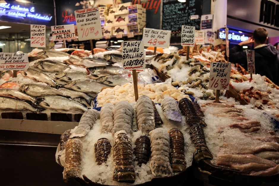 seattle-public-market-pike-place-seafood-lobster-mer-ocean-waterfront