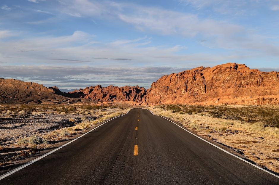valley-of-fire-state-park-nevada-las-vegas-road
