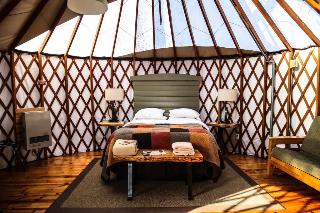big-sur-camping-glamping-yourte-californie