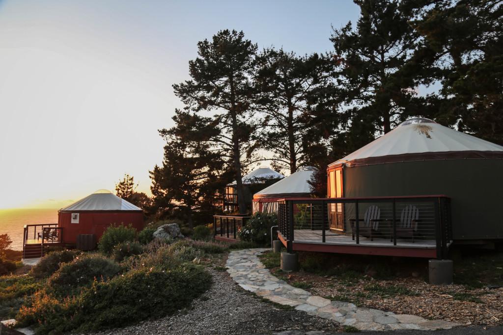 big-sur-camping-glamping-yourte-californie-cote-usa