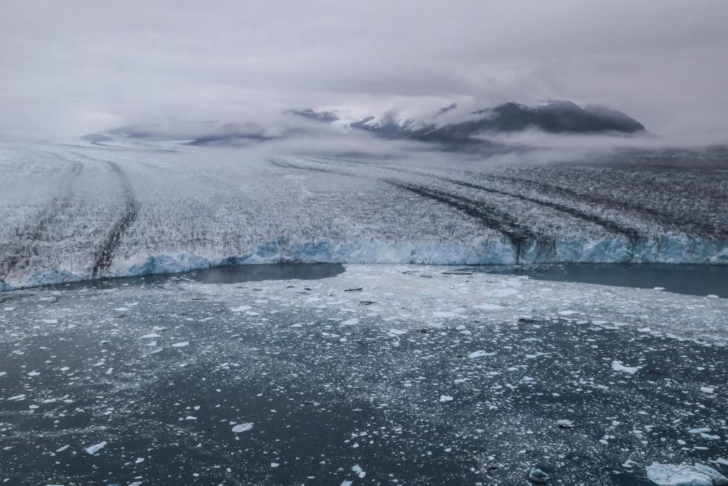 alaska-valdez-columbia-glacier-helicoptere-icebergs