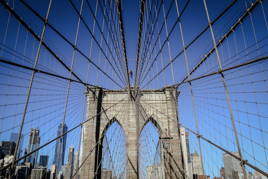 new-york-manhattan-brooklyn-bridge-cityscape