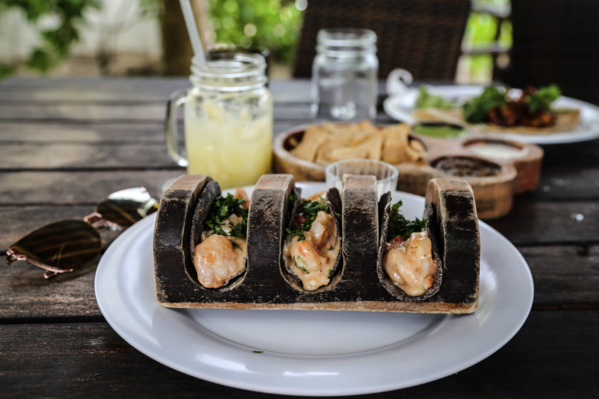 tulum-mexique-yucatan-plage-caraibes-restaurant-tacos